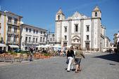Do Giraldo square in Evora, Portugal. — Stock Photo