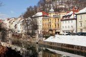 Rivier Dijk in de oude stad van Ljubljana, Slovenië — Stockfoto