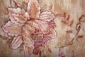 Vintage shabby chic brown wallpaper with floral victorian patter — Stock Photo