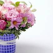 Beautiful pink bouquet of flowers with copy space — Stock Photo