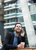 Joven llamada con teléfono móvil — Foto de Stock