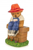 Figure of a bear with hat — Stock Photo