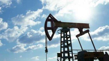 Oil pump. — Stock Video