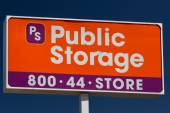 Public Storage Sign — Stock Photo