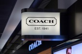 Coach Store Exterior — Stock Photo
