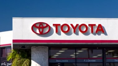 Toyota Automobile Dealership Sign — Stock Video