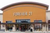 Forever 21 Retail Store Exterior — Stock Photo