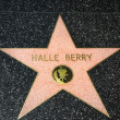 ������, ������: Hale Berry Star on the Hollywood Walk of Fame