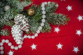Kerstmis achtergrond met versieringen en speelgoed — Stockfoto