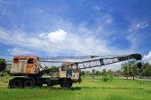 Old automobile crane — Stockfoto