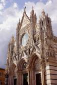 Cathedral Siena facade — Stock Photo