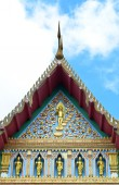 Traditional Thai style pattern on  Thai temple roof with blue an — ストック写真