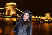 Woman in Budapest at night — Stock Photo