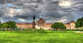 Park in front of Zagreb railway station - Croatia — Stock Photo