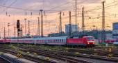 German trains in Frankfurt (Main) Hauptbahnhof station, Hesse — Stockfoto