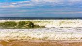 Olas en el océano Atlántico cerca de Seignosse - Francia, Aquitania — Foto de Stock