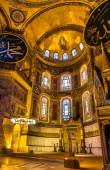ISTANBUL, TURKEY - JANUARY 6: Apse mosaic of the Theotokos (Virg — Stock Photo