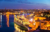 Cruise liner in the port of Valletta - Malta — Stock Photo