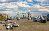 Vista del río Támesis en Londres - Inglaterra — Foto de Stock