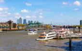 View of the Thames from Tower Bridge - London, England — Stock Photo