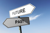 Future and Past directions. Opposite traffic sign. — Foto de Stock