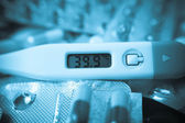 High body temperature on the thermometer — Stock Photo