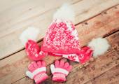 Children is cap, scarf and gloves — Stock Photo