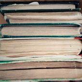 Staré knihy pozadí řádku — Stock fotografie