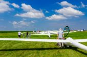 Gliders waiting to go into the air — Stok fotoğraf