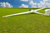Gliders waiting to go into the air — Stock Photo
