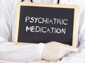 Doctor shows information: psychiatric medication — Stock Photo