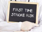 Doctor shows information: first-time stroke risk — Stock fotografie
