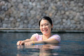 Employment with pregnant women in pool — Stock Photo