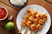 Marinated prank skewers with rice — Stock Photo