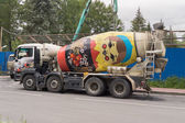 Concrete Mixer, which is painted as matryoshka — ストック写真