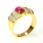 Gold ring with ruby and diamond on white background — Stock Photo