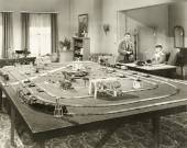 Showing off new toy train set — Foto Stock