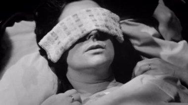Sick woman lying down — Stock Video