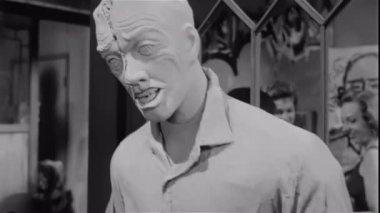 Morbid sculptures at art gallery — Stock Video
