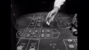Rolling dice on craps table — Stock Video