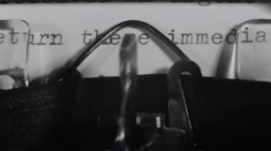 Letter typed on an old fashioned typewriter — Stock Video