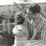 Young man and woman kissing — Fotografia Stock  #82898888