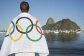 Man Wearing Olympic Athlete Flag Rio de Janeiro — Stock Photo