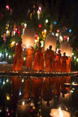 Young Buddhist Monks Loy Krathong Ceremony Thailand — Stock Photo