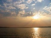 The scenery. Sunrise over the river. — Fotografia Stock
