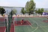 Samara, Russia - August 23, 2014: strangers on the Playground pl — Stock Photo