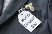 Myšlenka na den otců: pozdravy v kapse saka — Stock fotografie