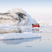 Nature and landscapes of Greenland with ship — Stock Photo