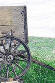 Carro de madera antiguo — Foto de Stock