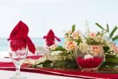 テーブルのセンター ピース。結婚式のテーブル デコレーション — ストック写真